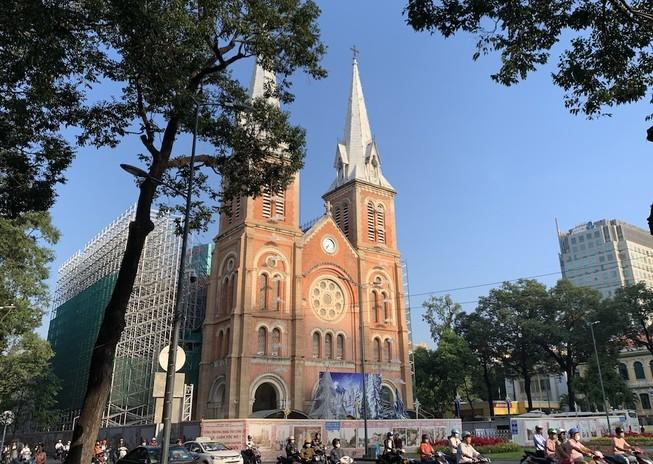 Vì an toàn, nhà thờ Đức Bà Sài Gòn ngưng đổ chuông
