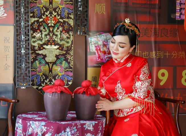 Hà Vân kể bi kịch cô dâu Việt lấy chồng Đài Loan bằng bolero