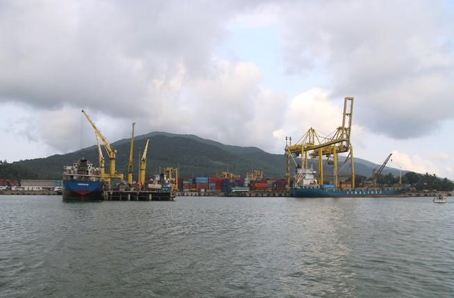 Đà Nẵng: Băn khoăn nhận chìm vật chất nạo vét cảng xuống biển