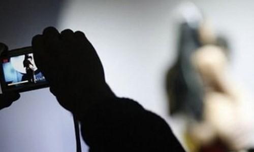 'Phi công trẻ' tống tiền người tình bằng clip nóng