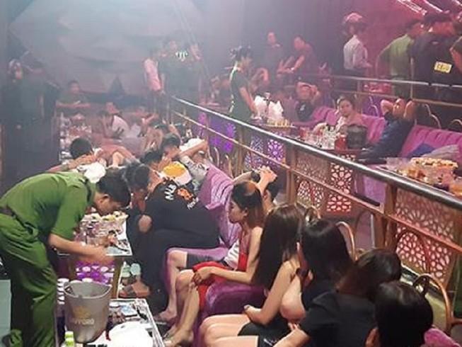 Đồng Nai: Hàng trăm cảnh sát bao vây quán bar trong đêm