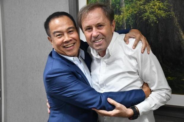 Thái Lan 'cột' Rajevac và mục tiêu vô địch AFF Cup