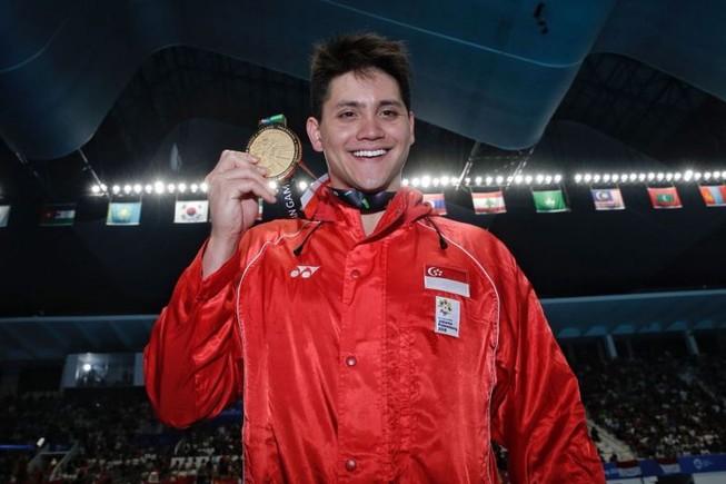 Kẻ đánh bại huyền thoại Michael Phelps có vàng Asiad