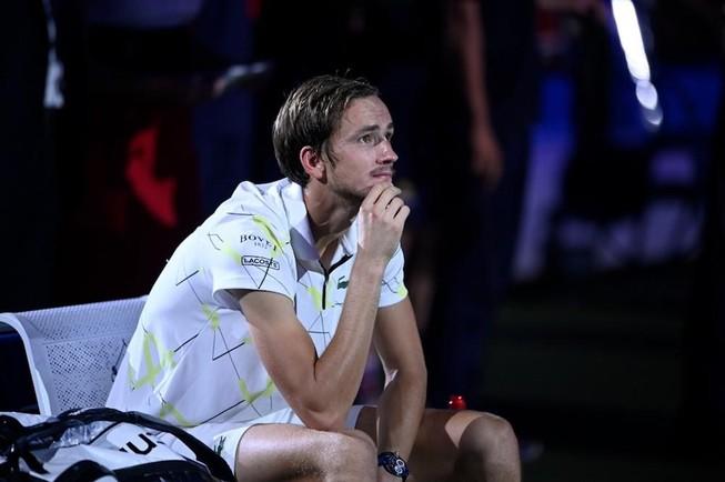 Không hạ đổ tượng đài lớn Nadal, Medvedev nói gì?