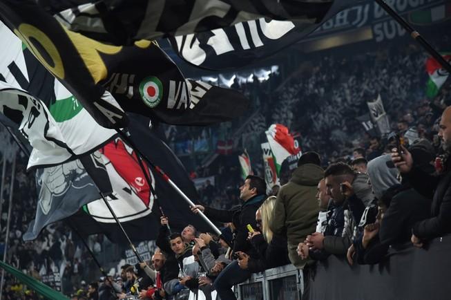 Cảnh sát Ý bắt 12 thủ lĩnh của nhóm fan Ultras