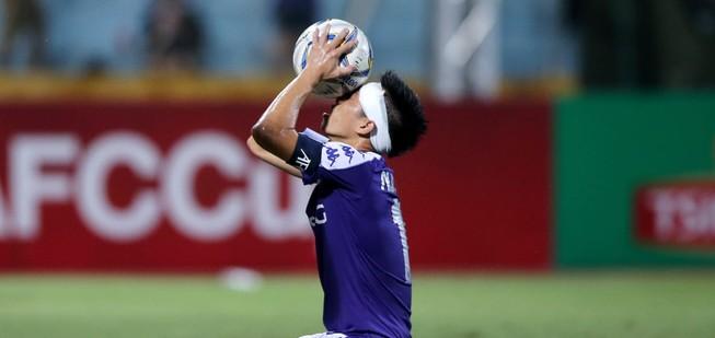 Văn Quyết: 'Hà Nội FC nuôi mục tiêu ăn ba của mùa giải'