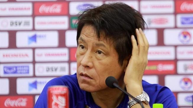 HLV Nishino cầu nguyện cho U-22 Thái Lan không chấn thương nữa
