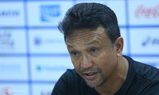 Cầu thủ Singapore nghiệp dư nhưng buộc phải thắng VN, Thái Lan
