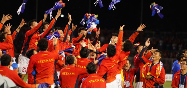 Báo chí châu Á nói gì về 'cú đúp' HCV SEA Games của Việt Nam?