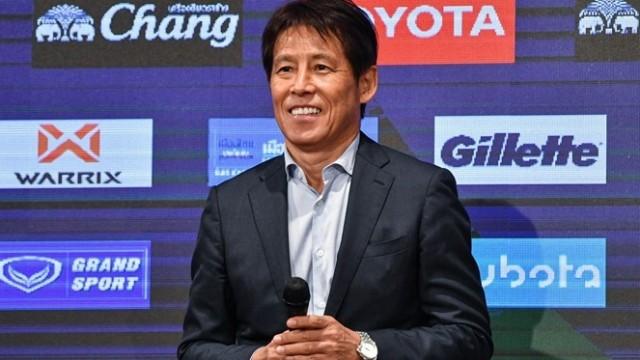 HLV Nishino muốn có dàn trợ lý như thầy Park