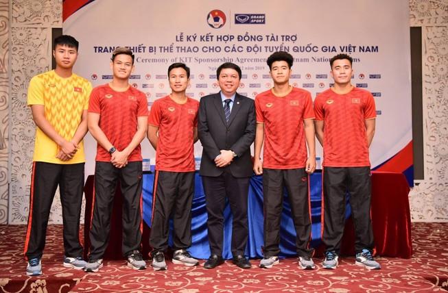 Việt Nam mặc đồ Thái đánh bại tuyển Thái, người Thái nói gì?