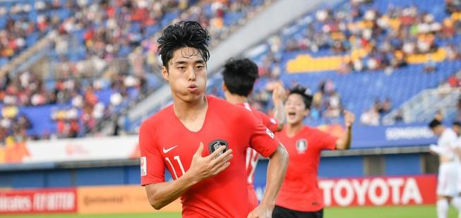 Hàn Quốc là đội đầu tiên đoạt vé vào tứ kết U-23 châu Á