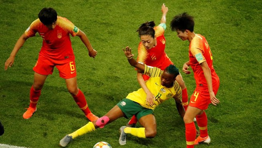 Dịch Corona khiến bóng đá Trung Quốc gặp khó ở Úc