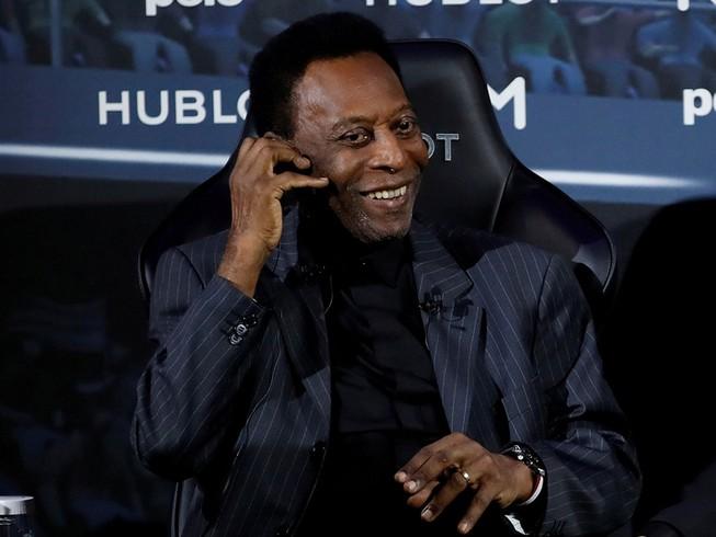 Pele: 'Cám ơn các bạn, tôi vẫn khỏe'