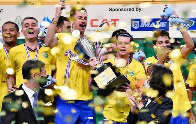 Samba đến Thái 'dạy' Futsal và giành cúp vàng