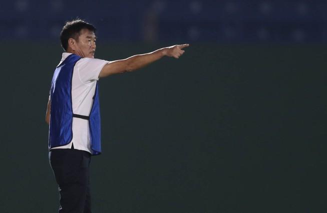 HLV Phan Thanh Hùng có chiến thắng đầu tay