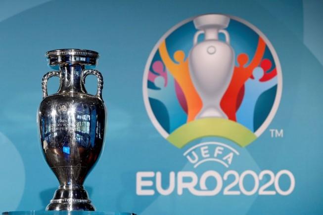 Euro 2020 không dời nữa, khán giả được vào sân