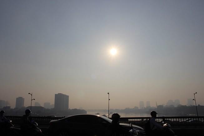 Sương mù dày đặc vẫn bao phủ Sài Gòn