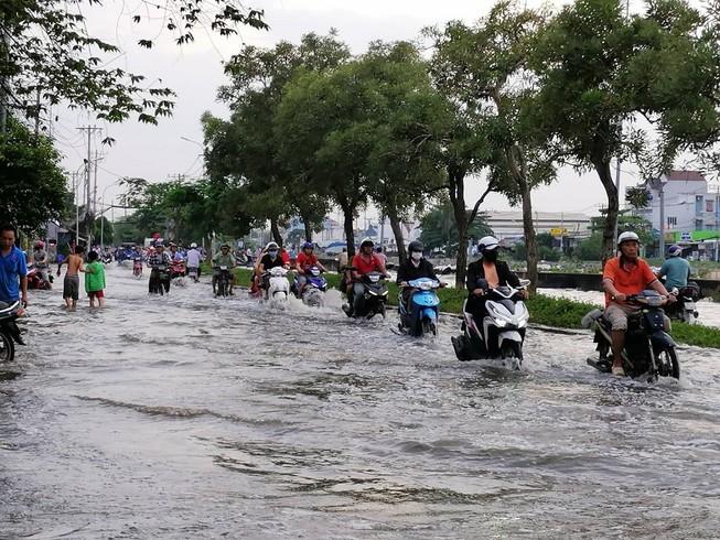 Cảnh báo triều cường gây ngập lụt ở TP.HCM