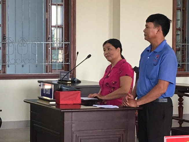 Hai vợ chồng lãnh án vì bắt ông hàng xóm trói vào gốc dừa