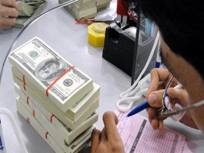 Giá USD tự do tăng đột biến