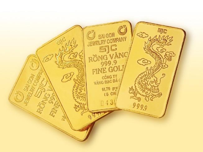 Đến lượt giá vàng và đôla rủ nhau cùng tăng