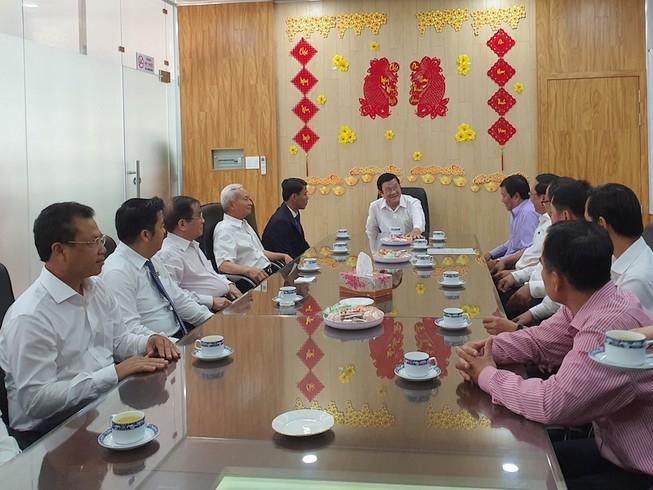 Nguyên Chủ tịch nước Trương Tấn Sang thăm Bến xe Miền Tây