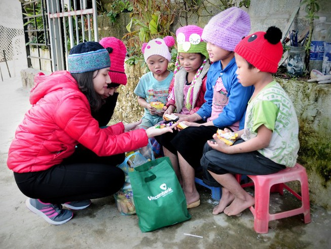 Vietcombank hỗ trợ gần 9 tỉ đồng để người nghèo đón tết