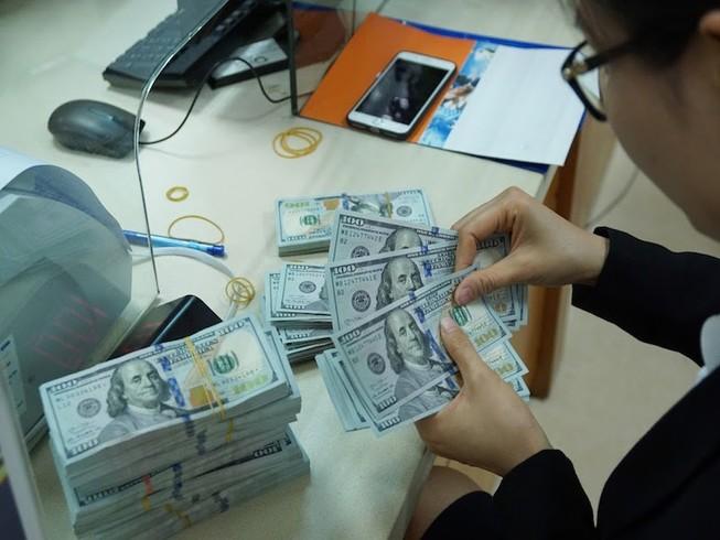 Tỉ giá USD liên tục tăng
