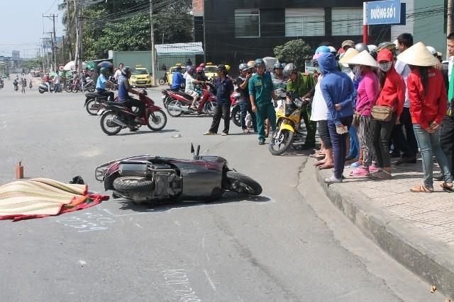Một phụ nữ bị xe ben cán tử vong