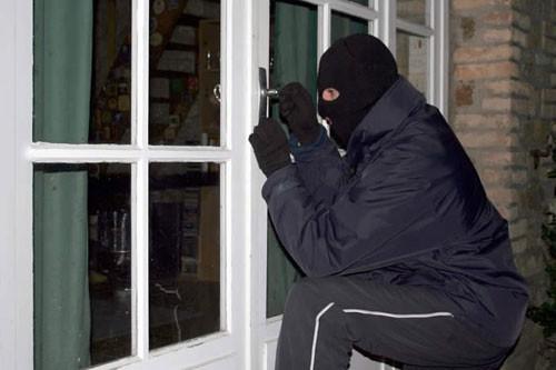 Người nước ngoài thuê nhà tố bị mất trộm hơn 15.000 USD