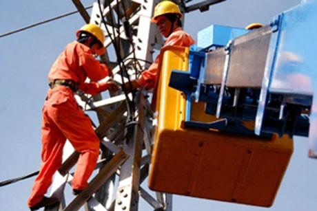 Lỗ 1.200 tỉ đồng vì tỉ giá, các 'ông lớn' đòi tính vào giá điện