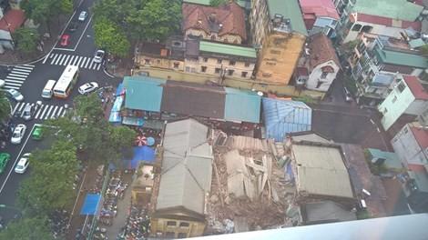 Vụ sập biệt thự ở Hà Nội: Nạn nhân kẹt trong đống đổ nát đã tử vong