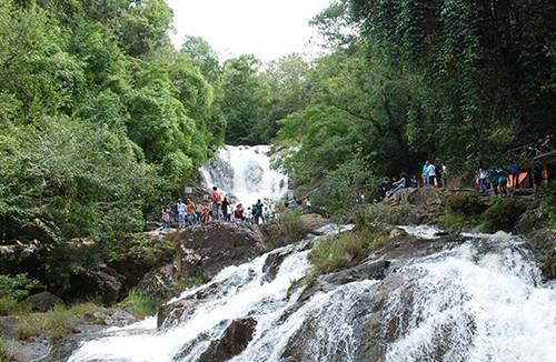 Ba du khách Anh tử nạn ở thác Datanla do chấn thương sọ não