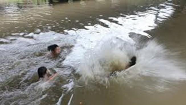 Nhóm sư cô tắm biển Long Hải, 2 người mất tích