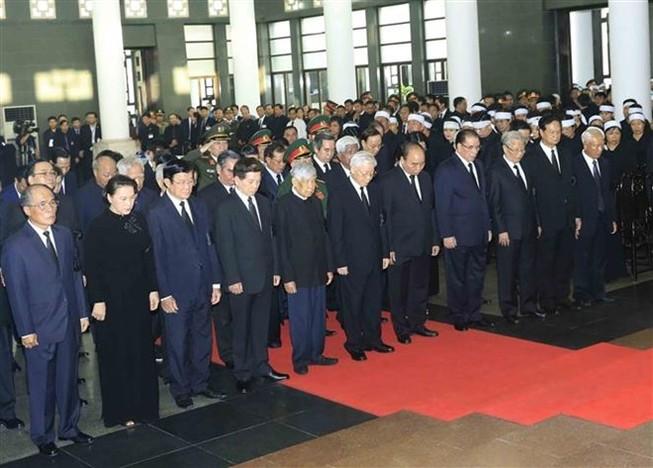 Hơn 50.000 người đến viếng Chủ tịch nước
