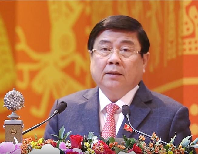 Chủ tịch UBND TP.HCM trình bày tham luận tại Đại hội. Ảnh: CTV