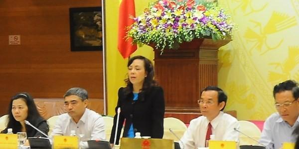 """Bộ trưởng Y tế Nguyễn Thị Kim Tiến khóc: """"Lúc này tôi chưa thể từ chức được"""""""