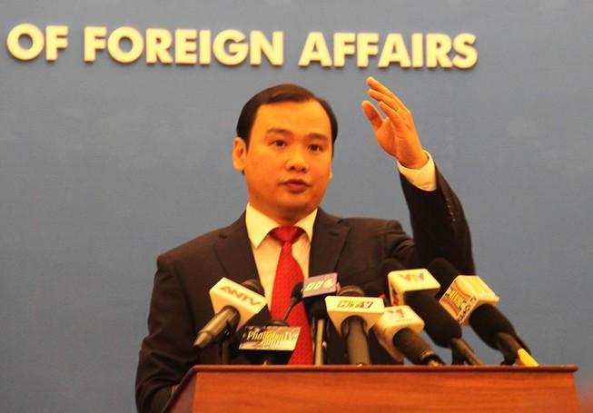 Họp báo Bộ Ngoại giao: VN cam kết bảo vệ quyền và lợi ích hợp pháp của các DN