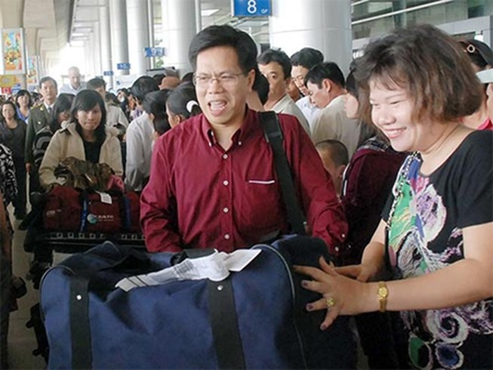 Việt kiều sẽ không còn phải đăng ký giữ quốc tịch Việt Nam
