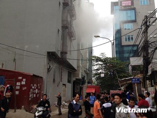 Hà Nội: Cháy lớn tại quán karaoke 7 tầng