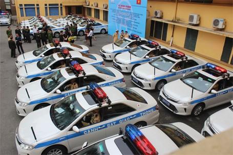 Cận cảnh dàn xe Camry mới của Công an Hà Nội