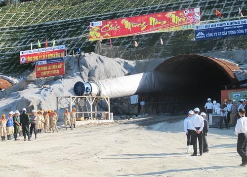 Chính phủ cho xây hầm qua đèo Cù Mông