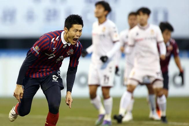 An Byong-jun tại giải bóng đá Hàn Quốc.