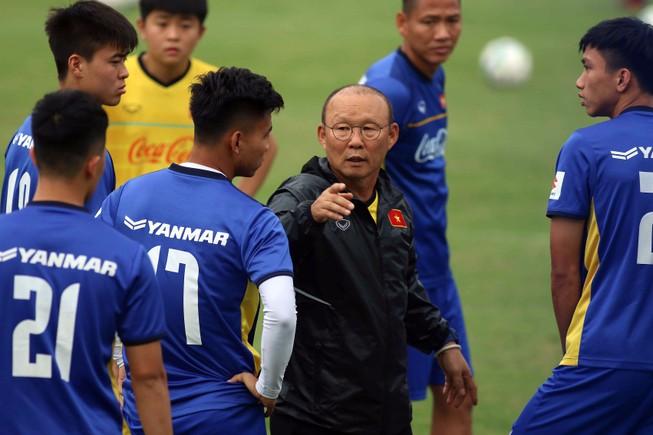 Sẽ hấp dẫn và thu hoạch được hơn rất nhiều nếu thầy trò ông Park đá giao hữu với các ngôi sao V-League.