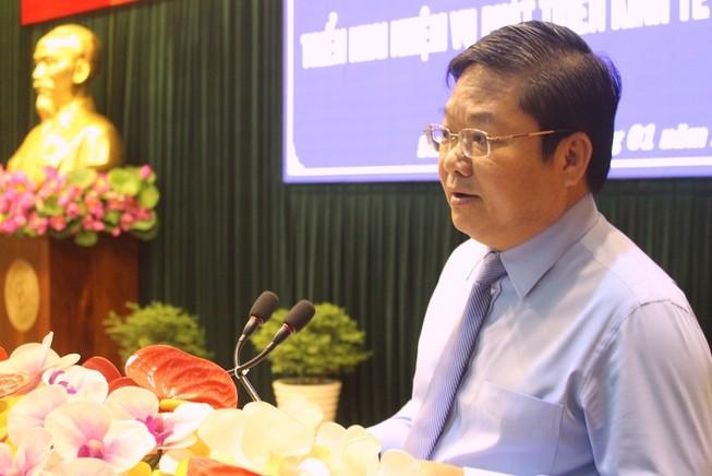 Ông Lê Văn Thinh, Bí thư Quận uỷ Bình Tân phát biểu tại hội nghị. Ảnh: LÊ THOA