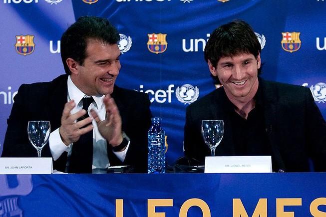 Ông Laporta và Messi khi Barcelona còn ở thời hoàng kim.