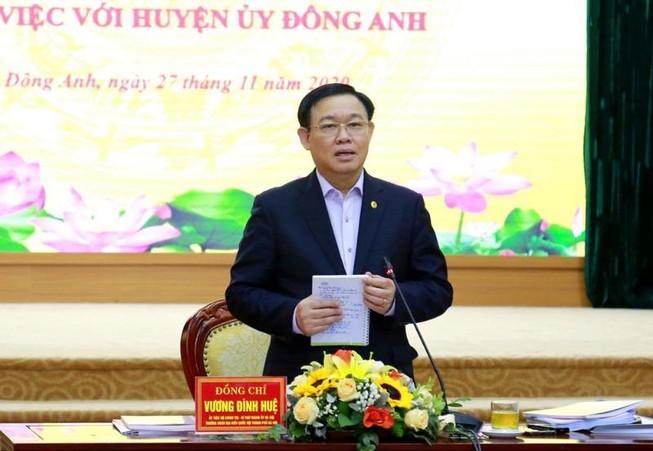 Bí thư Hà Nội: Phải tránh việc TP thì mở, xuống sở thì thắt