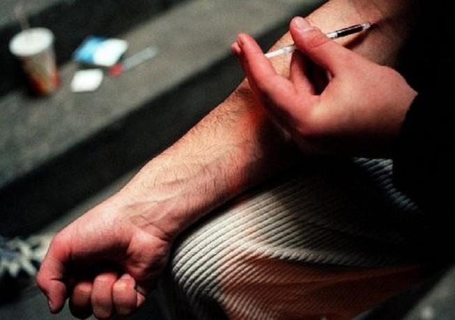 Cấp miễn phí 840.000 bơm tiêm cho người nghiện