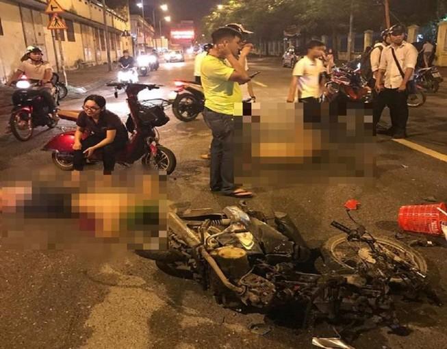 2 thanh niên say rượu tông xe vào cô gái mang bầu